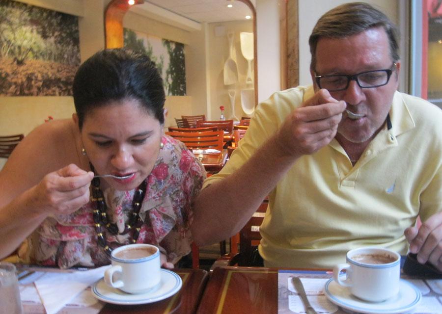 Chocolate tasting in Pepa de Oro, Guayaquil