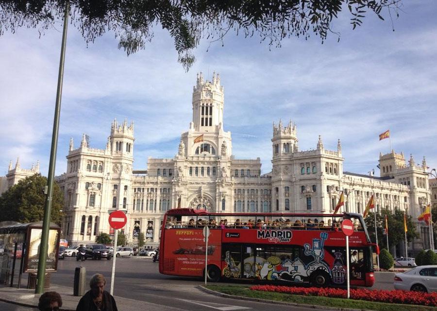 Madrid tour bus