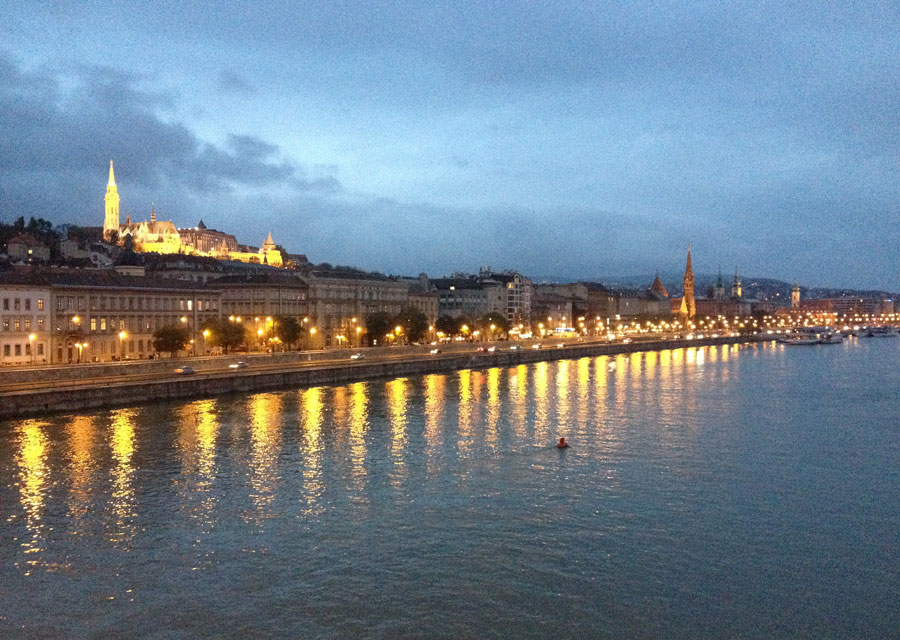Night view of Buda