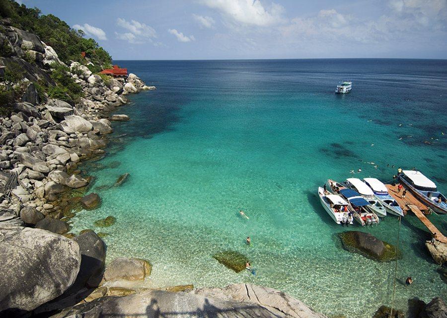 The bay at ko tao is popular with divers - Ko tao dive resort ...