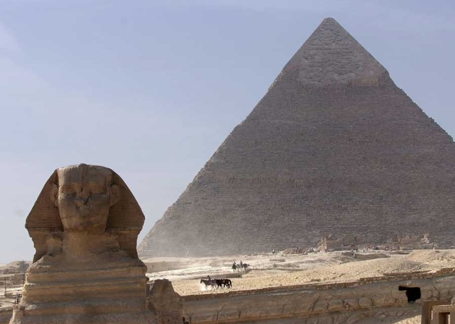 pyramid of giza research paper The pyramids at giza in egypt are one of the most renowned wonders of the  world which has mesmerized people all around the globe, since its discovery  the.