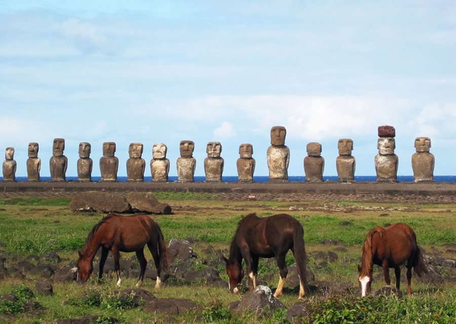 Easter Island travel guide, places to visit, things to do ...