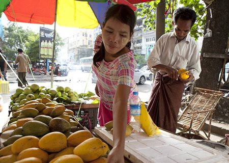 how to get around in yangon
